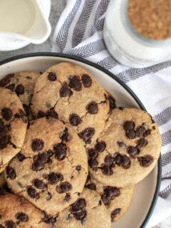 Vegan white bean chocolate chip cookies