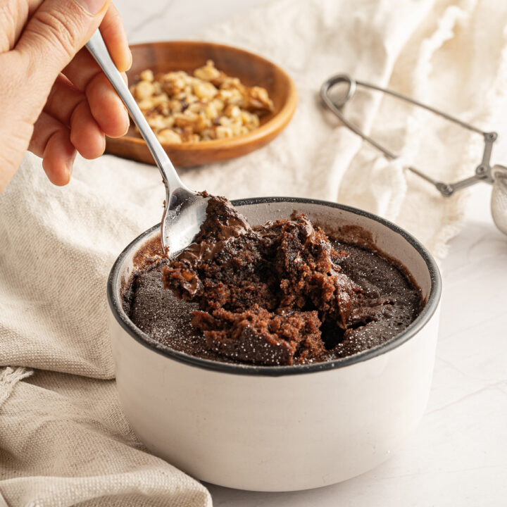 Easy vegan mug brownie